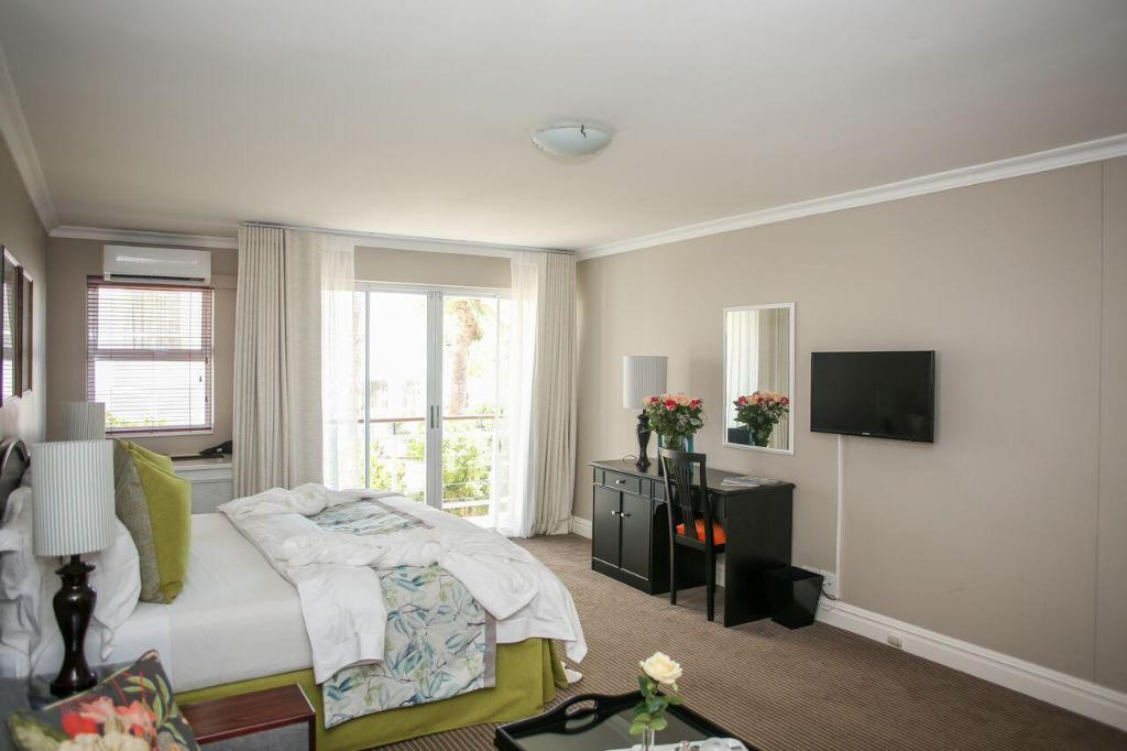 See all 6 photos Bantry Bay Suite Hotel