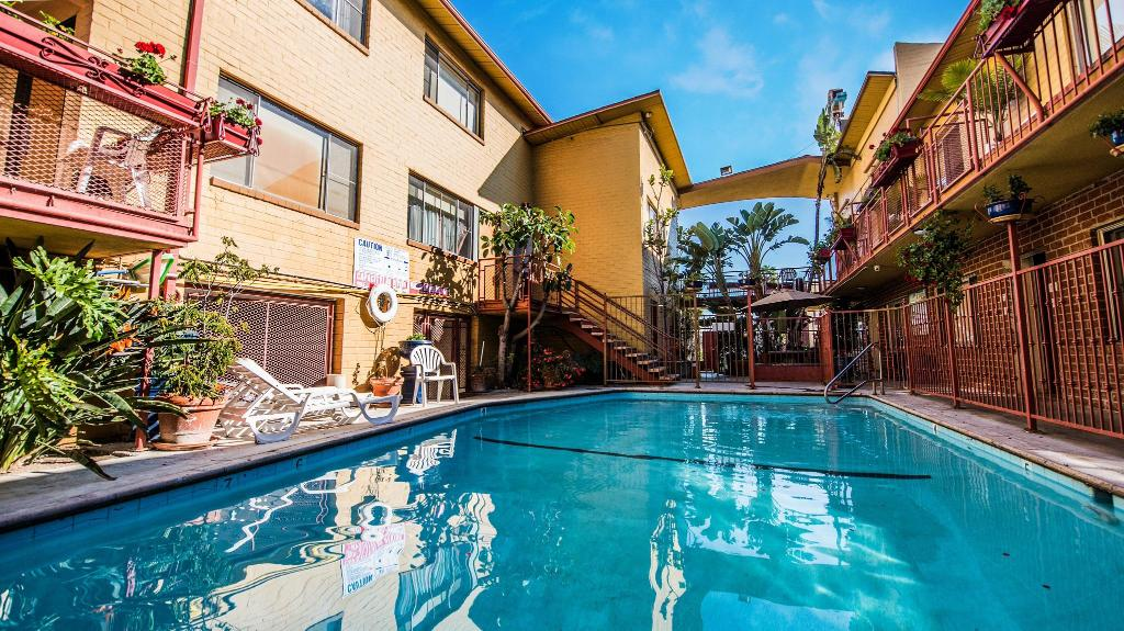 Hollywood Downtowner Inn In Los Angeles Ca Room Deals Photos Reviews