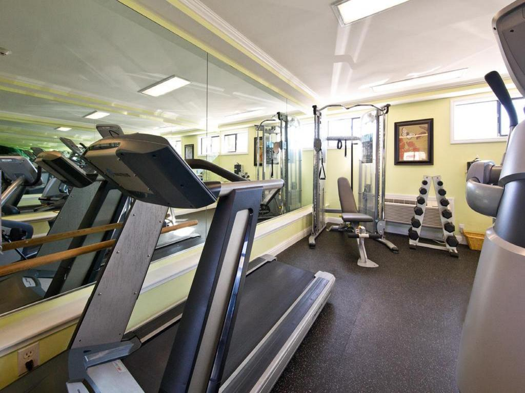 Fitness center Millwood Inn & Suites Millbrae