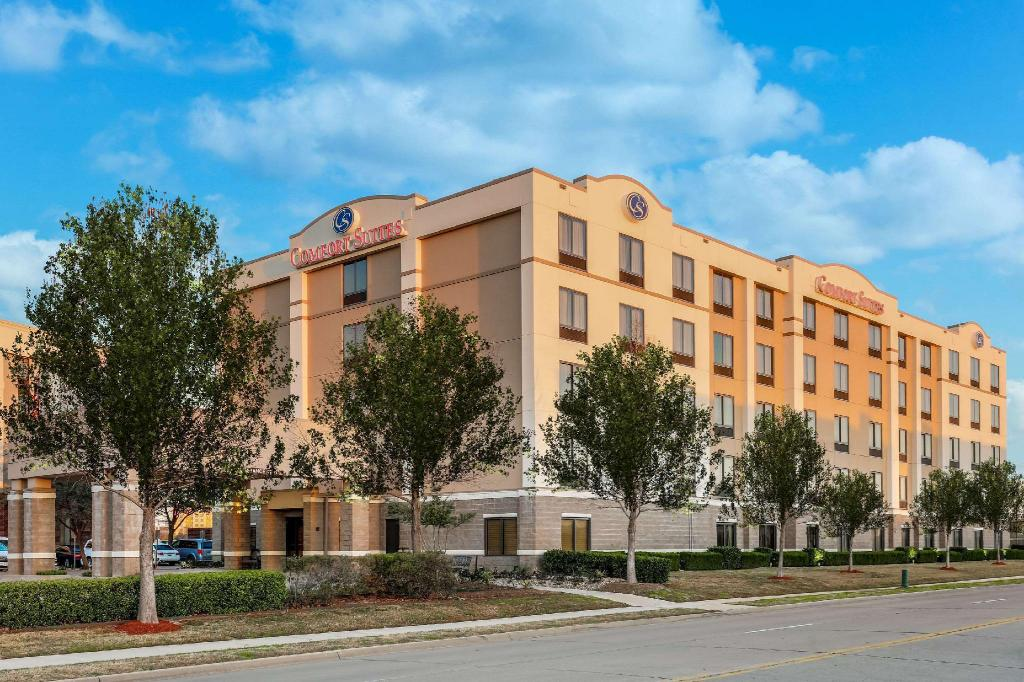More about Comfort Suites DFW N/Grapevine