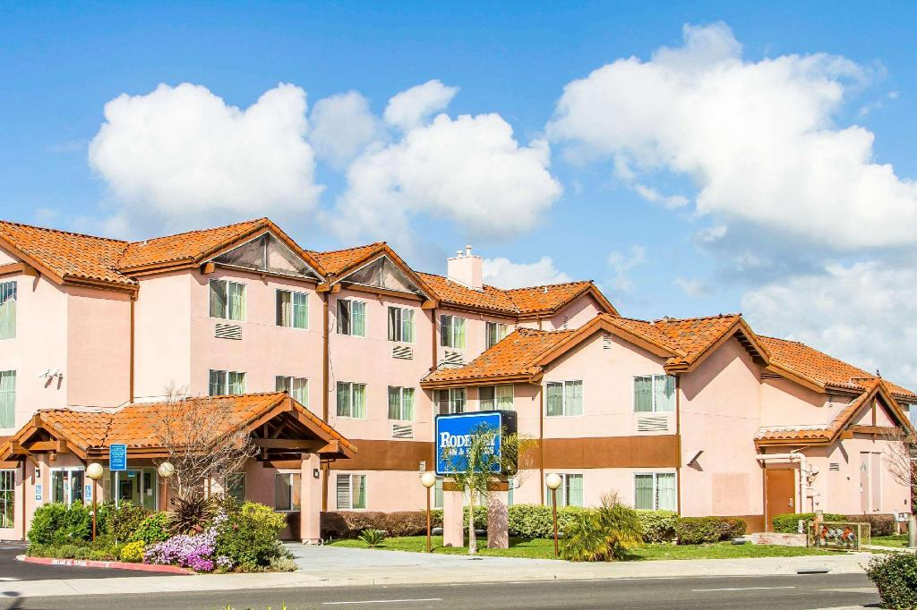 More about Rodeway Inn and Suites Hayward