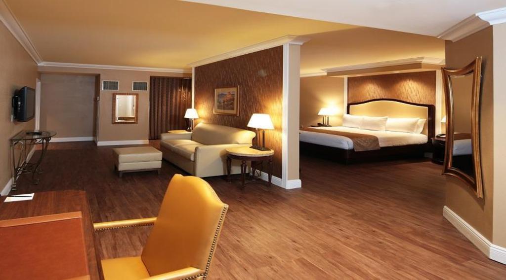 South Point Hotel Casino And Spa Resort Las Vegas Nv Deals Photos Reviews