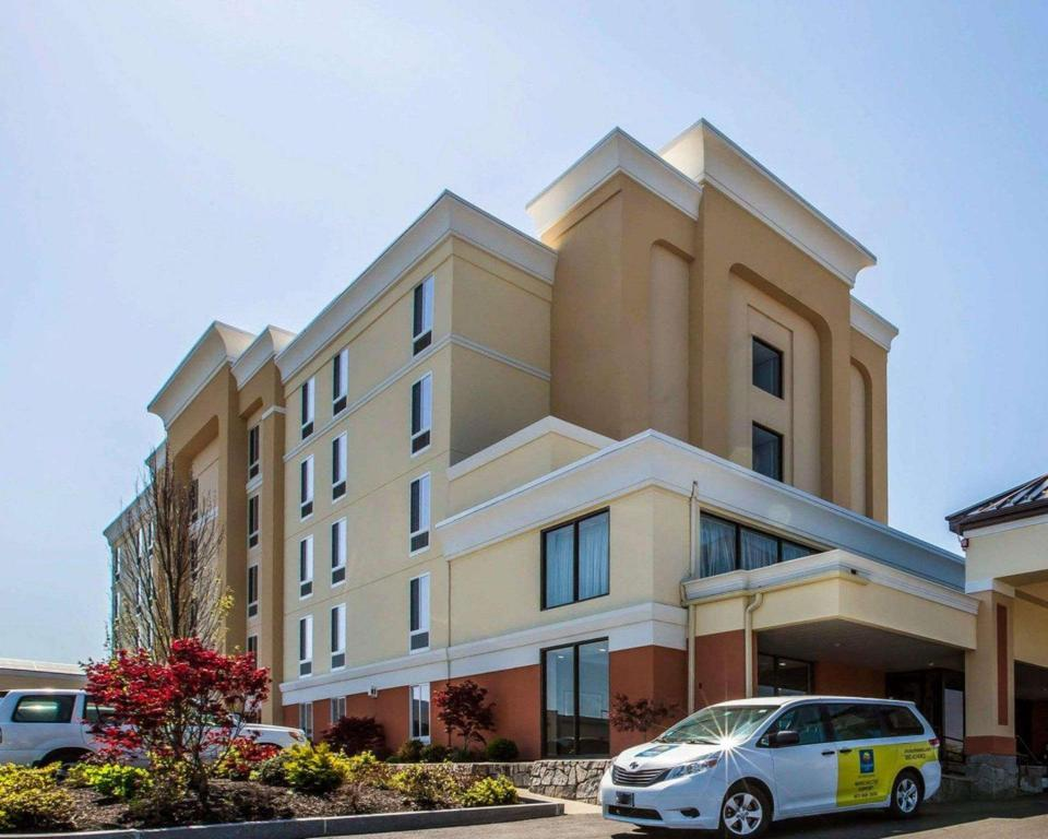 More about Comfort Inn Airport