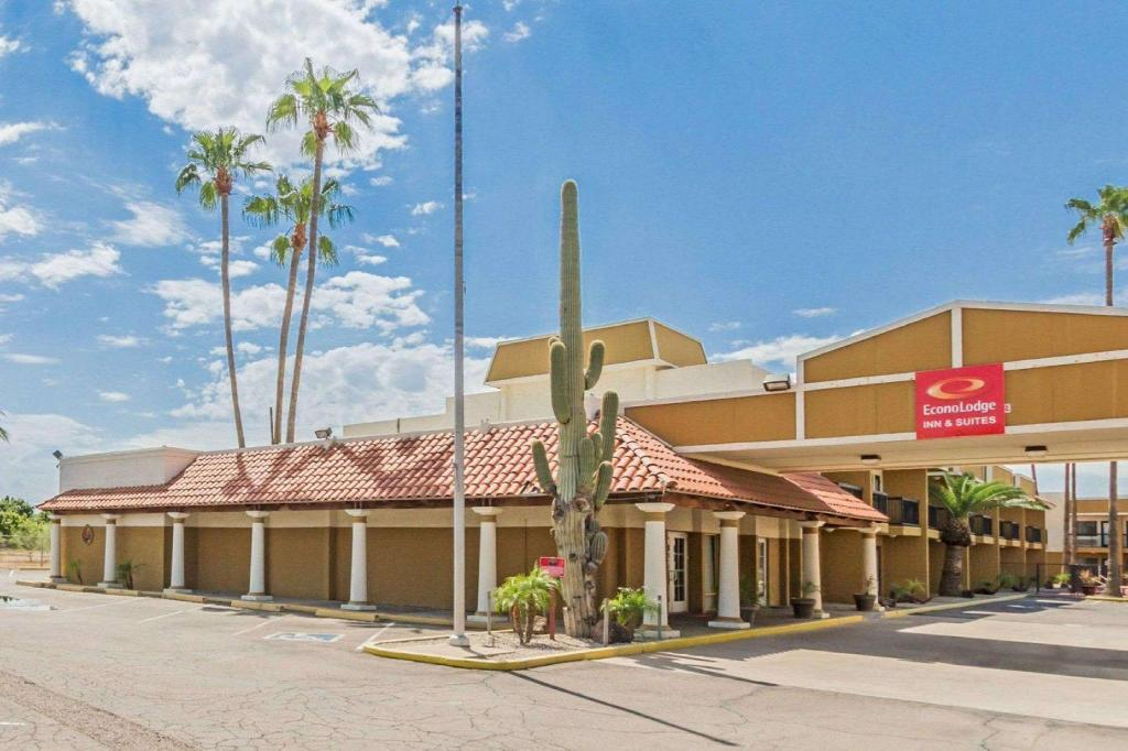 More about Econo Lodge Inn & Suites Mesa