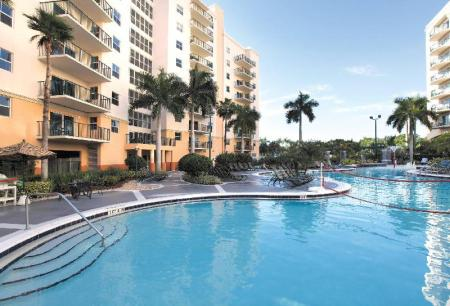 Swimming pool [outdoor] Wyndham Palm Aire