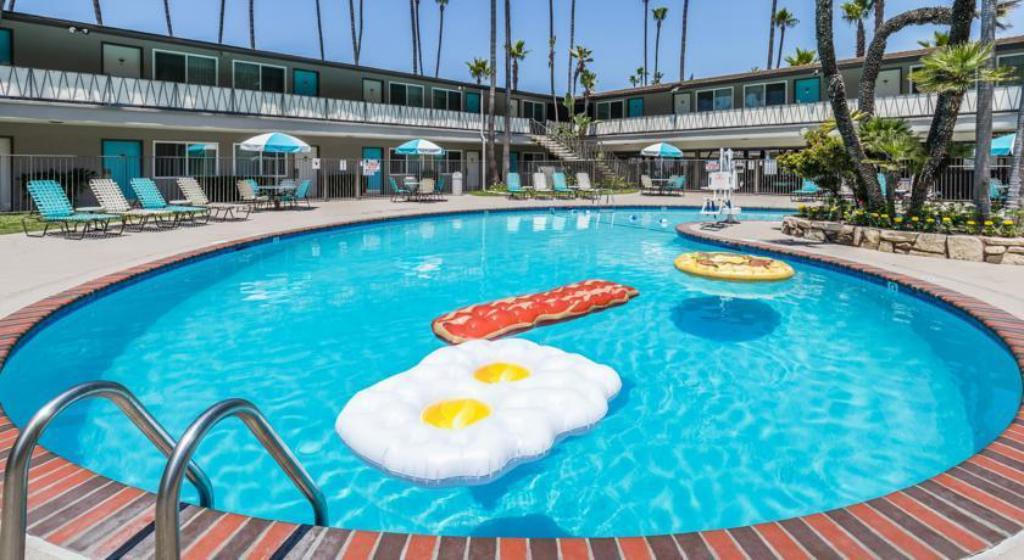 Kings inn hotel san diego in san diego ca room deals - Clairemont swimming pool san diego ca ...