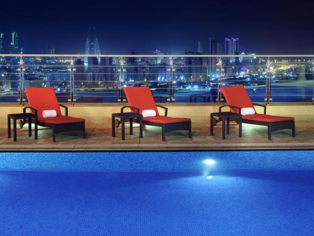 Piscina Marriott Executive Apartments Manama