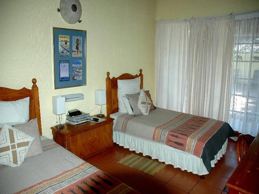 Quarto Individual ou Solteiro (Single or Twin room)