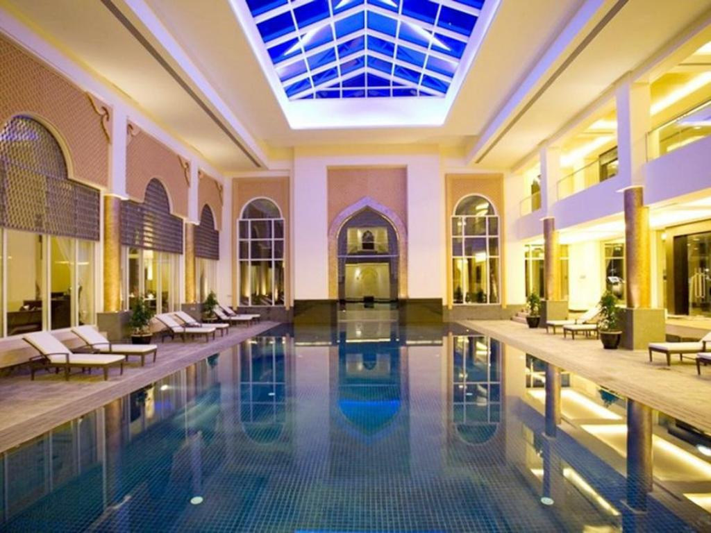 Swimming pool Al Areen Palace & Spa