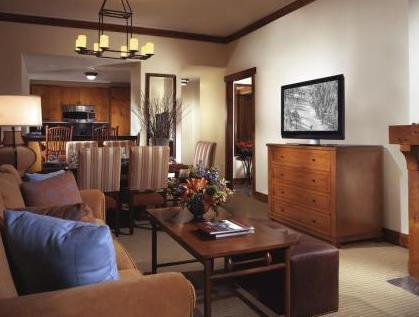 Timberline One Bedroom Suite