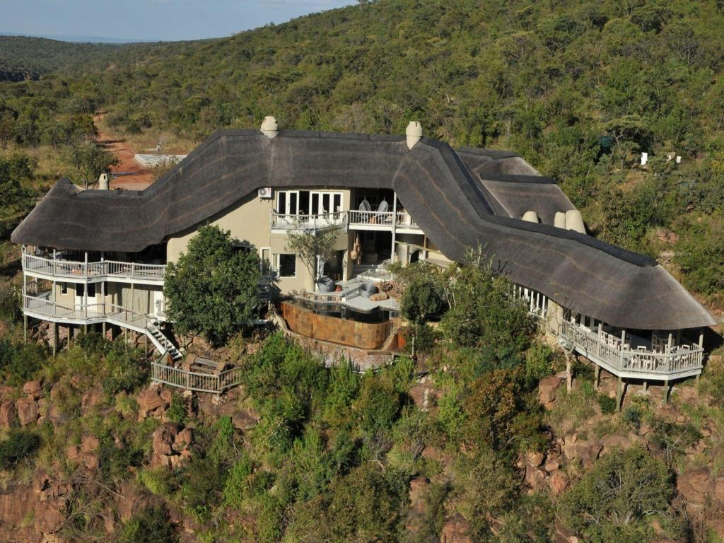 Clifftop Exclusive Safari Hideaway Lodge
