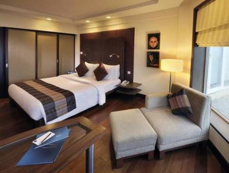 Executive King Bed Novotel Mumbai Juhu Beach