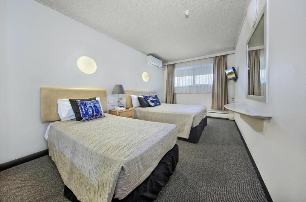Economy Double Room - Guestroom Belconnen Way Hotel & Serviced Apartments