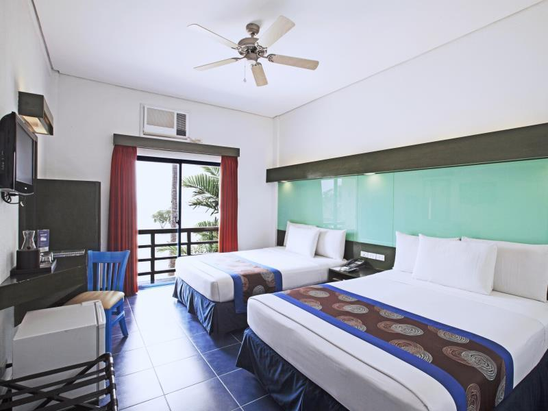 2 Queen Beds Room - Beach View