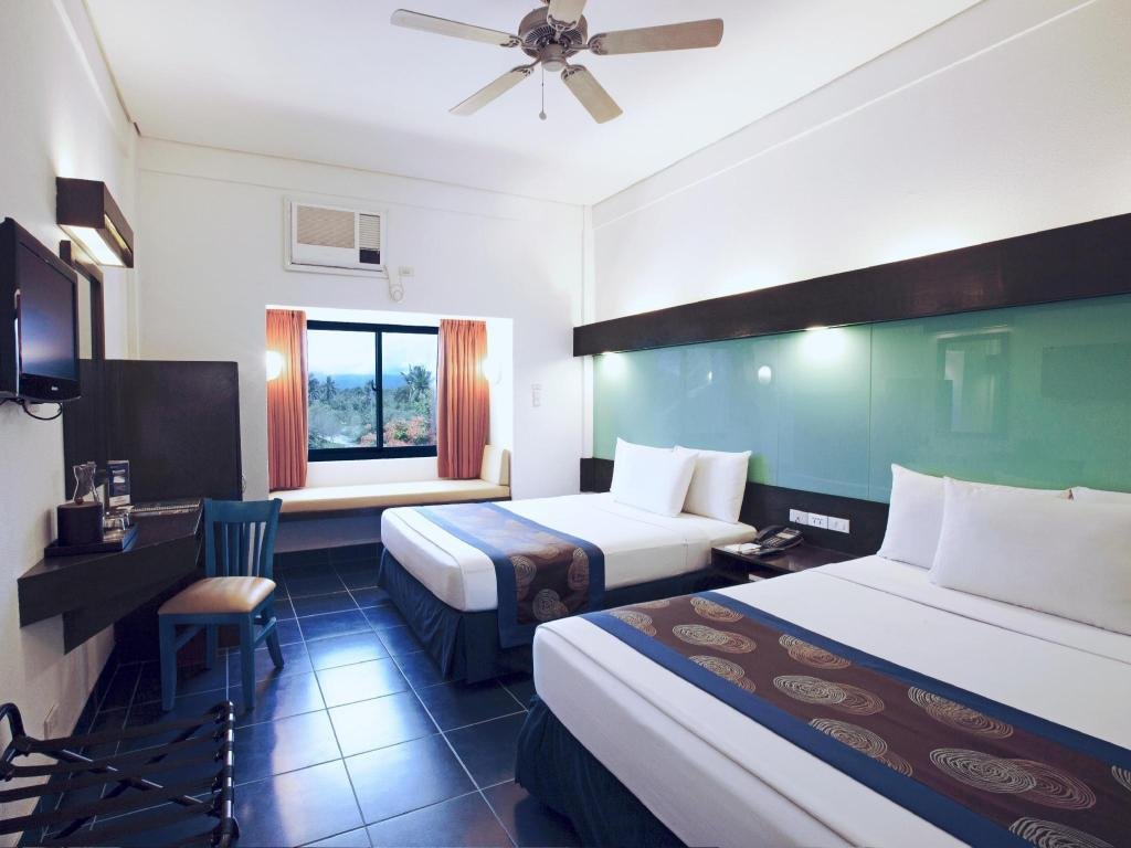 2 Queen Beds Garden View Microtel by Wyndham Puerto Princesa - Palawan