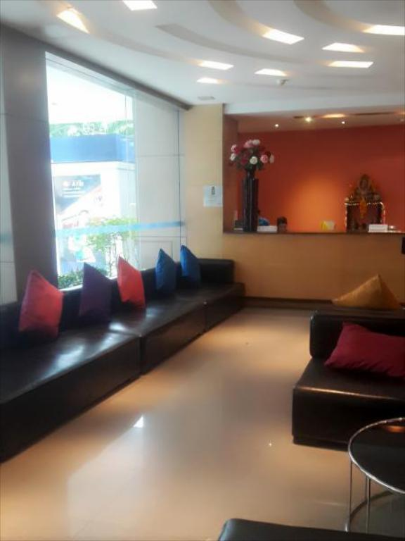 Lobby Pattaya Loft managed by Loft Group