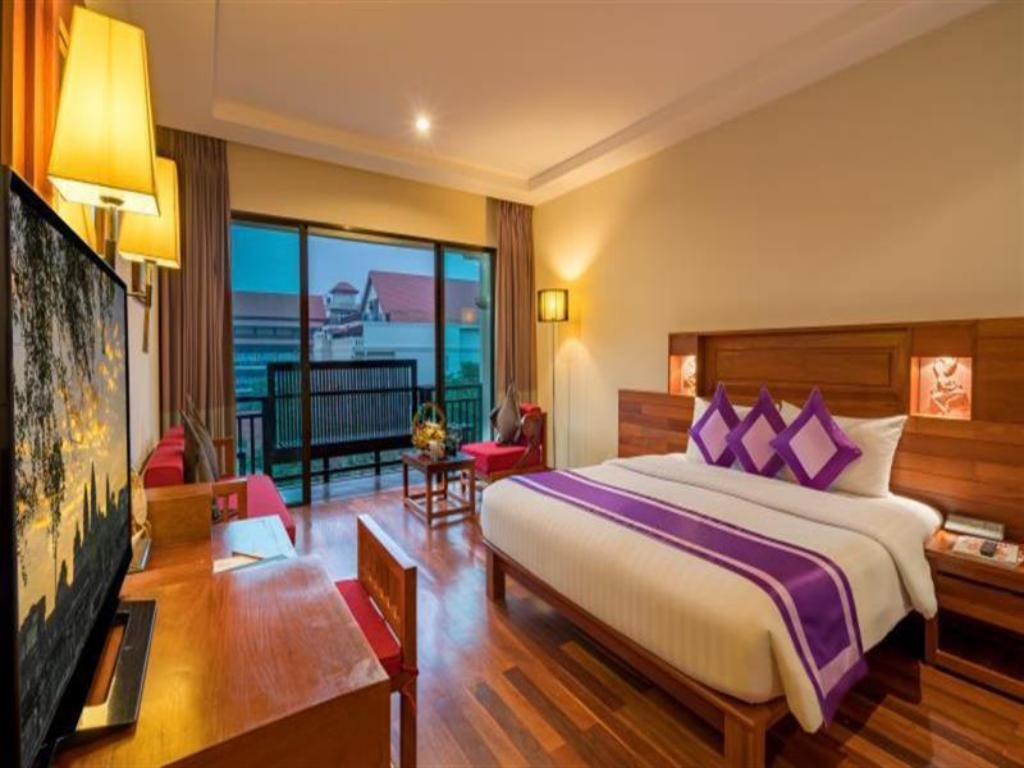 Deluxe City View - Guestroom Angkor Miracle Resort & Spa