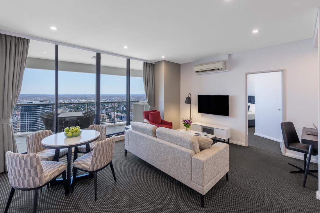 Meriton Suites Kent Street in Sydney - Room Deals, Photos