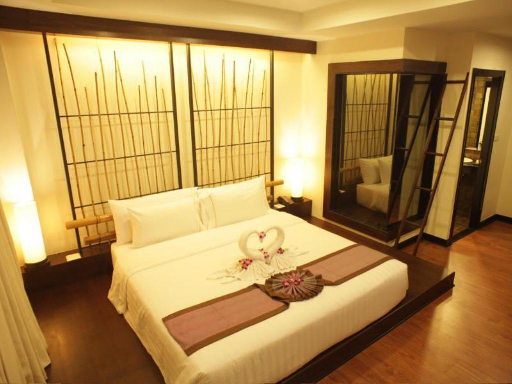 Standard Double or Twin Room - Bed Bamboo House Phuket Hotel
