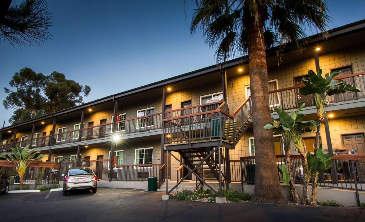 Best Price on Americas Best Value Inn & Suites - Granada Hills, CA ...