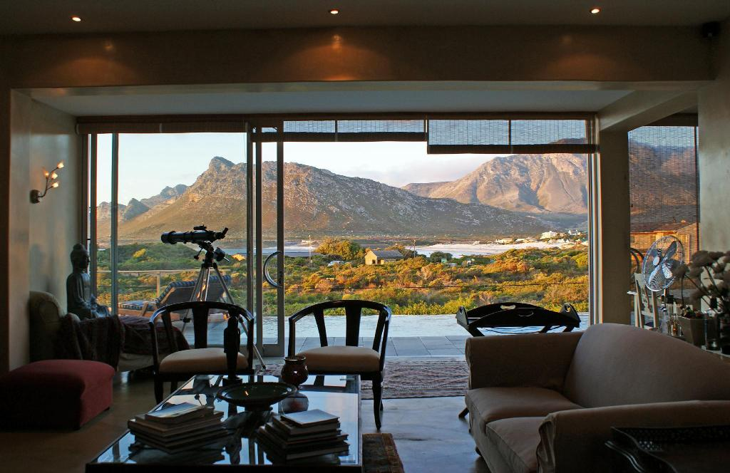 Interjeras Moonstruck on Pringle Bay Guesthouse