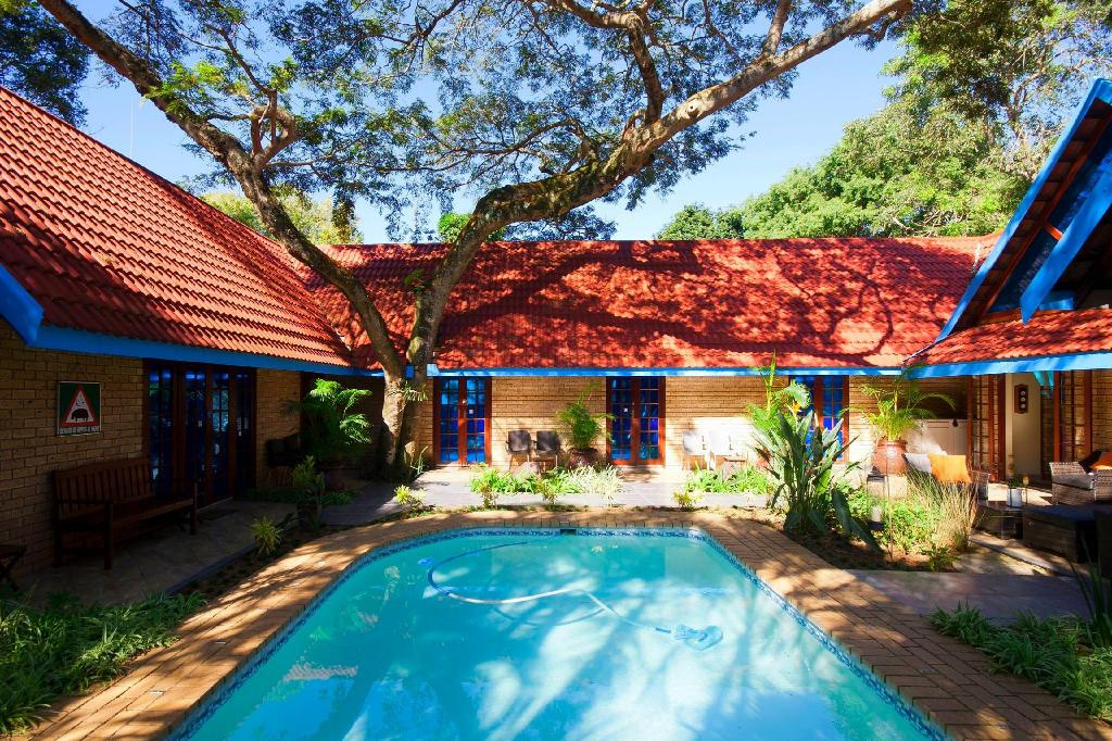 Swimming pool [outdoor] Zulani Guest House