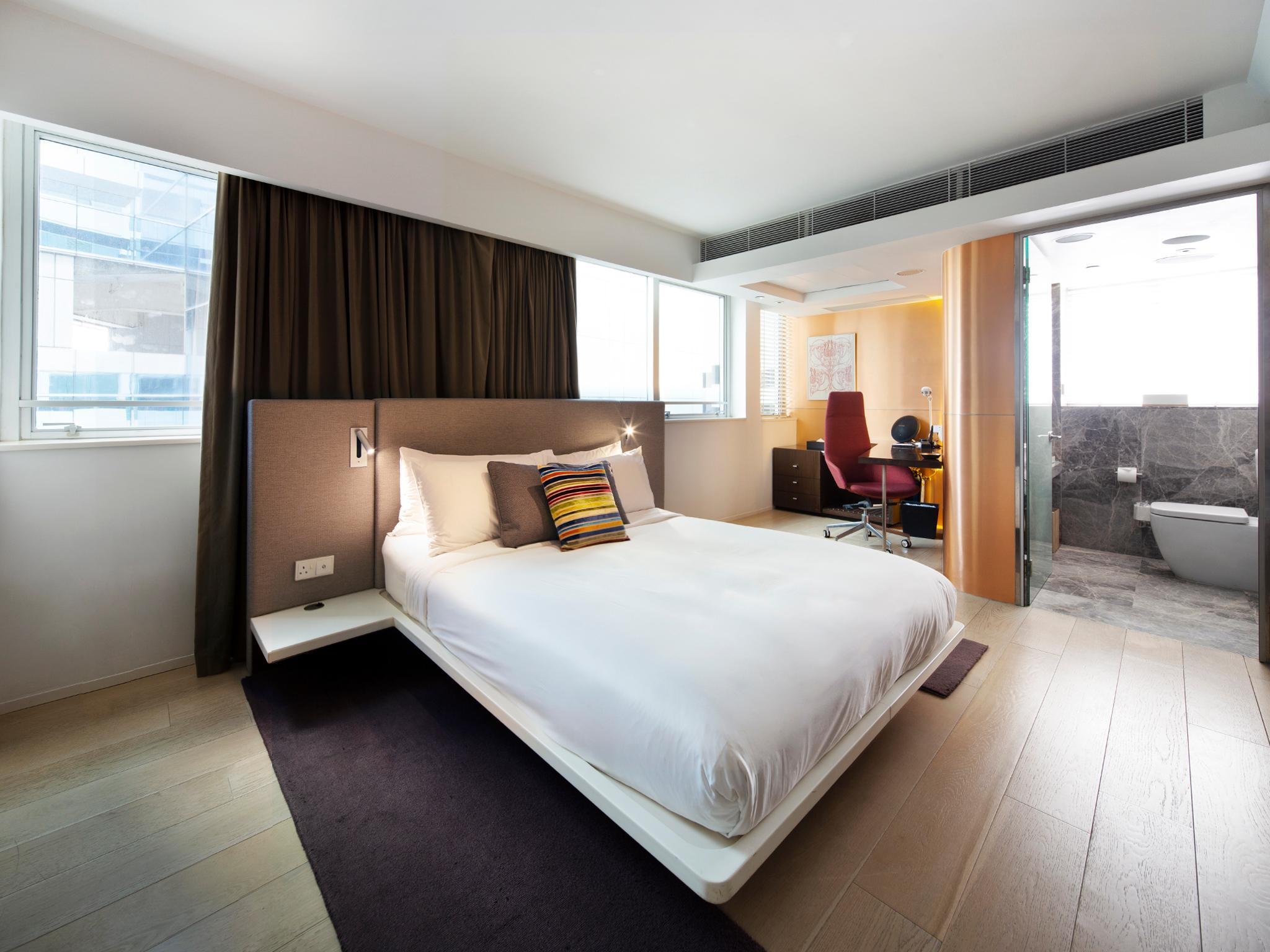 Kamar Double Gold (Gold Double Room)