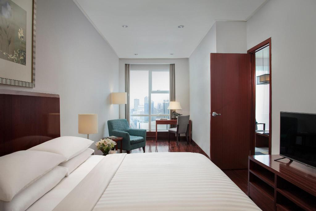 Executive,106Sqm, 1 Bedroom Apartment, 1 King, City view - Bathroom The Mayflower, Jakarta - Marriott Executive Apartments