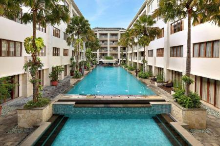 Swimming pool [outdoor] Aston Kuta Hotel and Residence