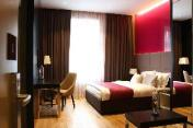 Maccani Luxury Suites