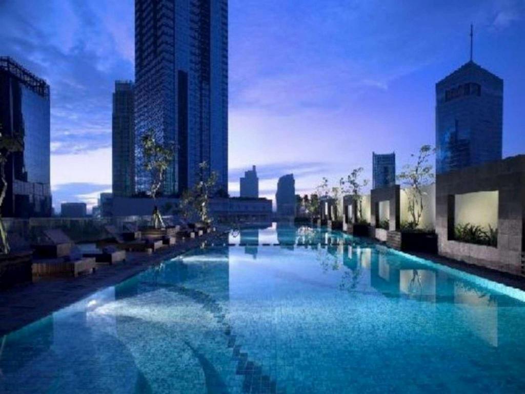 Oakwood Premier Cozmo Jakarta in Indonesia - Room Deals ...