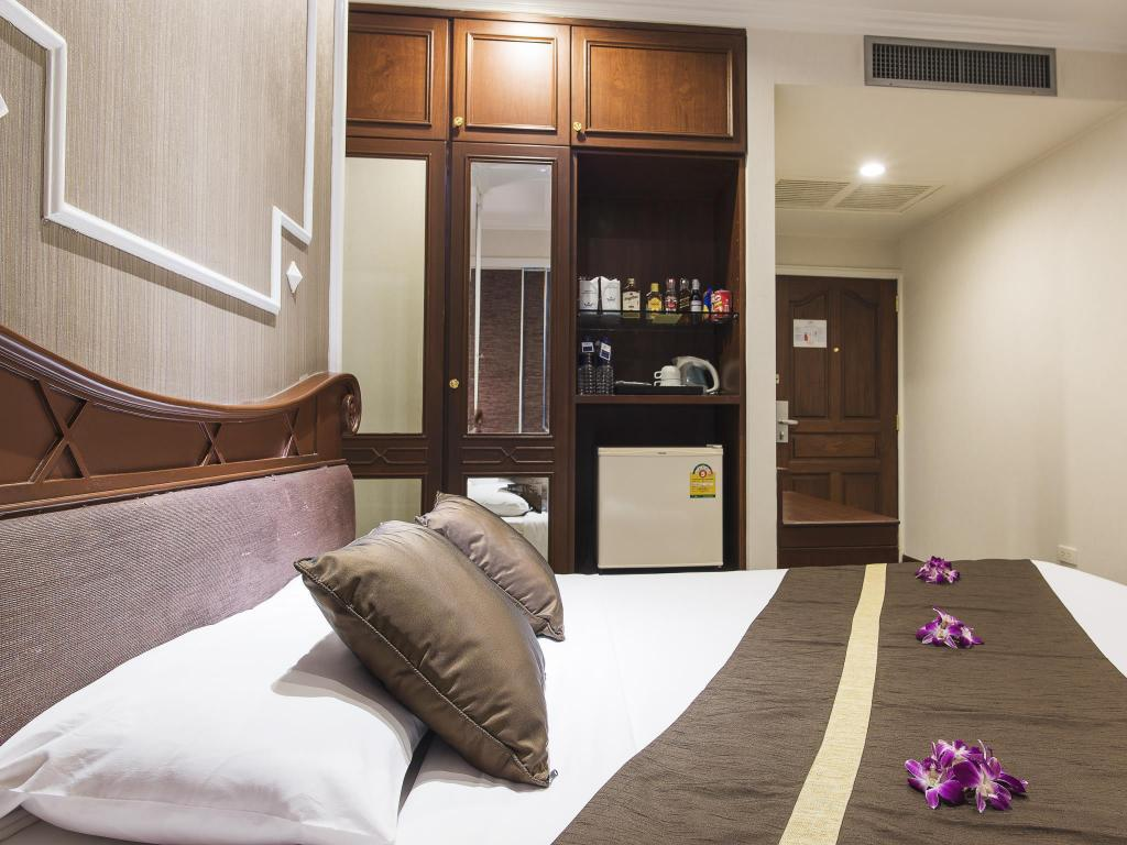 Superior With Breakfast Queen Bed Majestic Suites Hotel