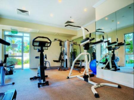 Fitness center Pacific Views Resort