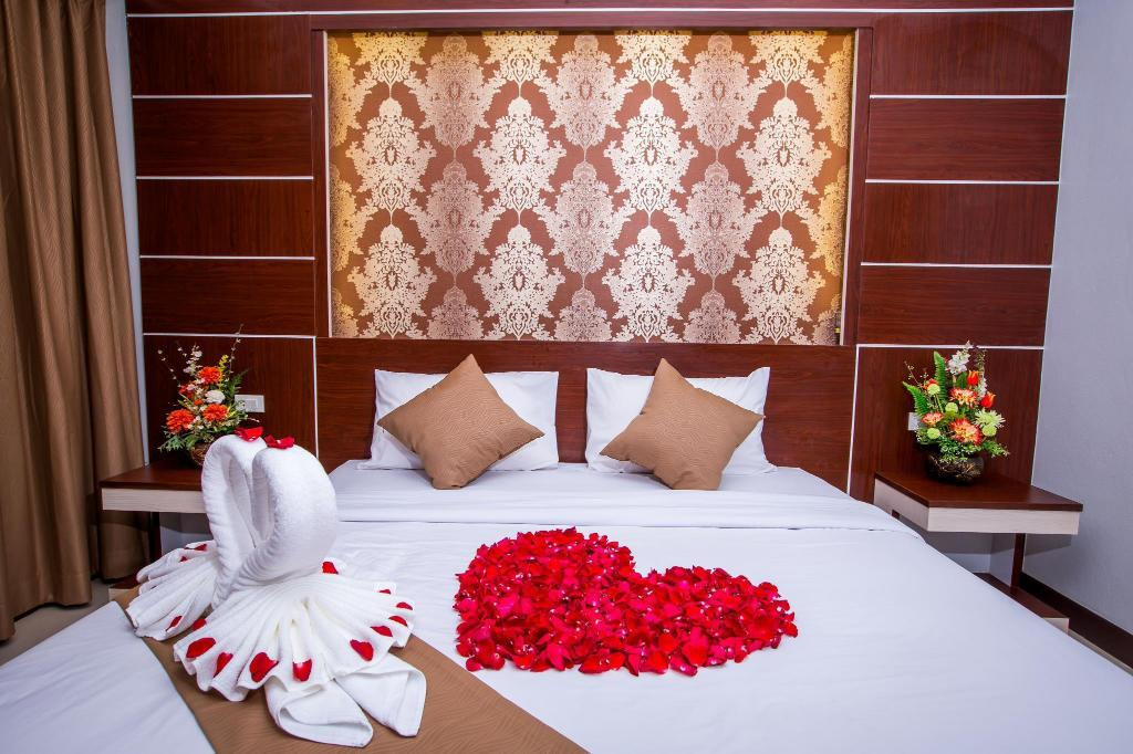 Deluxe Double - Bed Phi Phi Andaman Beach Resort
