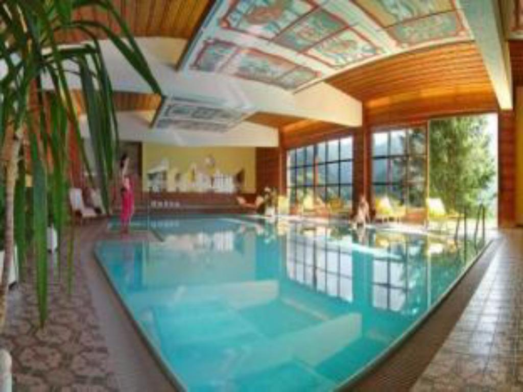 Swimming pool Hotel St. Oswald