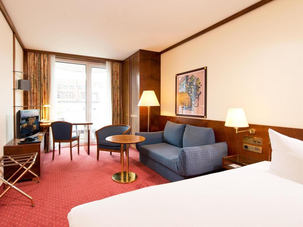 best price on derag livinghotel wei ensee in berlin reviews. Black Bedroom Furniture Sets. Home Design Ideas