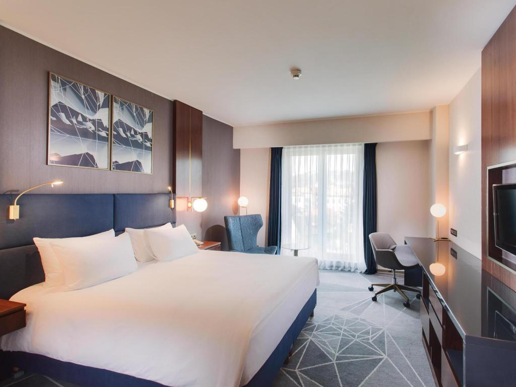 King Accessible Room  - Guestroom DoubleTree by Hilton City Plaza Cluj