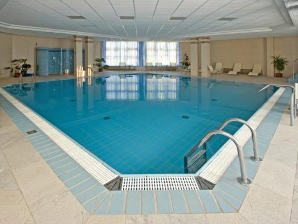 Swimming pool Rubin Wellness & Conference Hotel