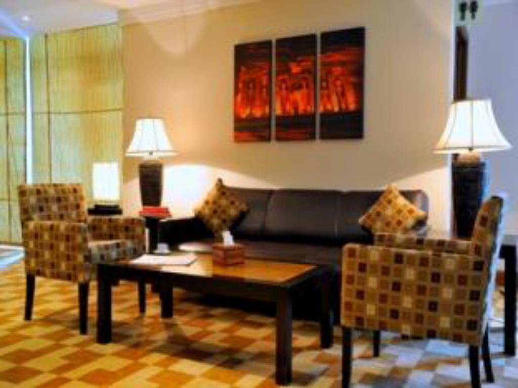 Lobby Staybridge Suites & Apartments - Citystars