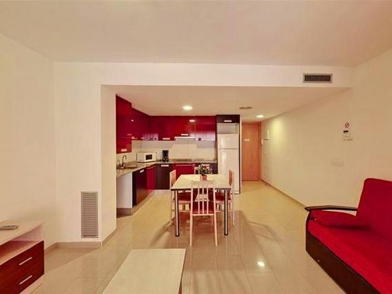 best price on apartamentos neptuno hotel in costa brava y maresme rh agoda com