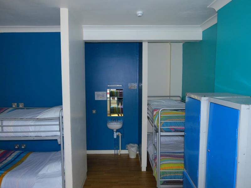 8 Bedded Room (Mixed)