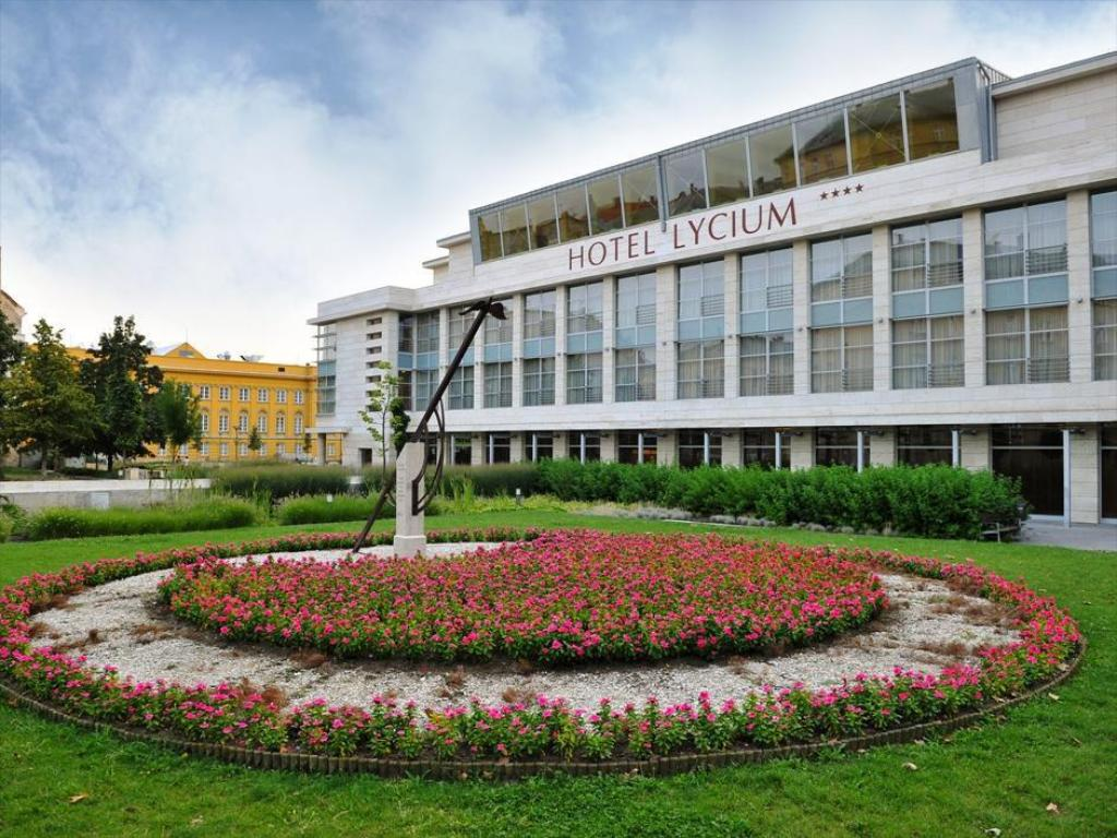 b94a7cee06 Hotel Lycium Debrecen in Hungary - Room Deals, Photos & Reviews
