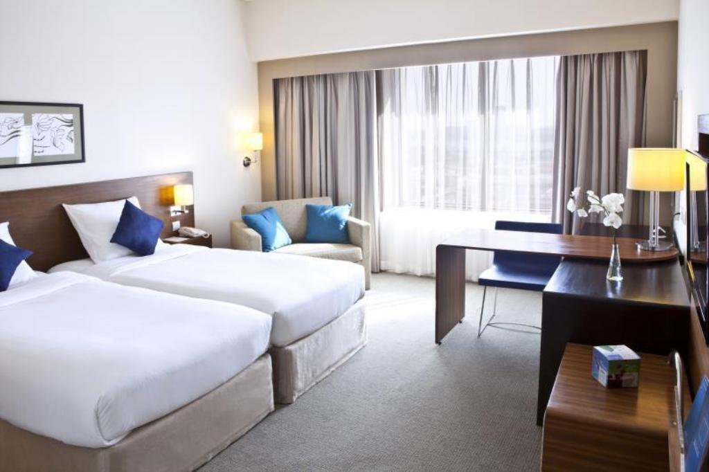 Standard Room with 2 Single Beds - Bedroom Novotel Deira City Centre Hotel