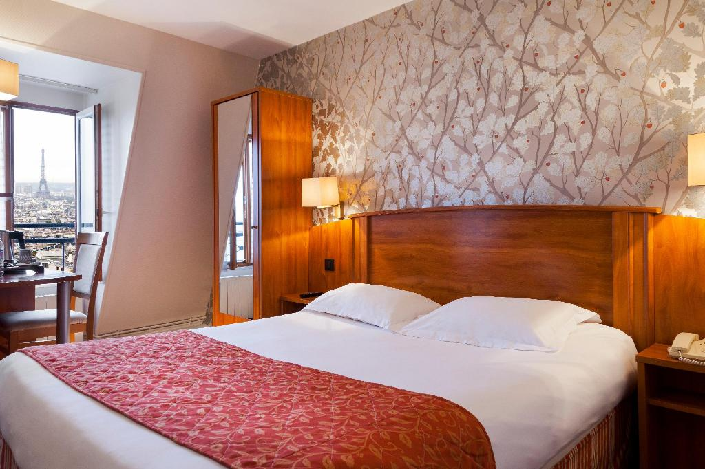 Comfort Double Room - Bedroom Timhotel Montmartre