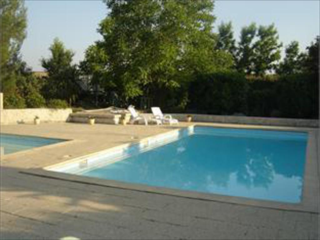 Swimming pool Auberge Des Pins