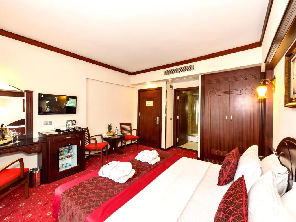 Superior Double or Twin Room - Guestroom Gulhanepark Hotel