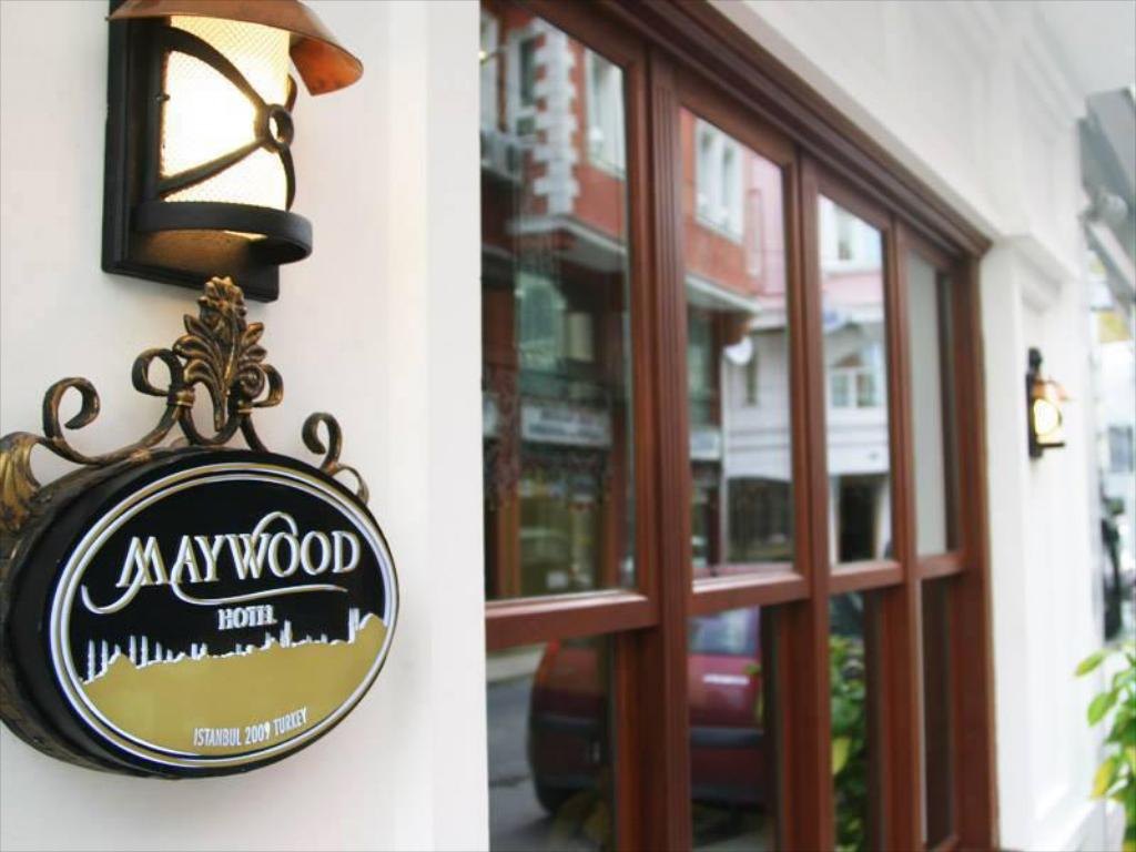 More about Maywood Hotel