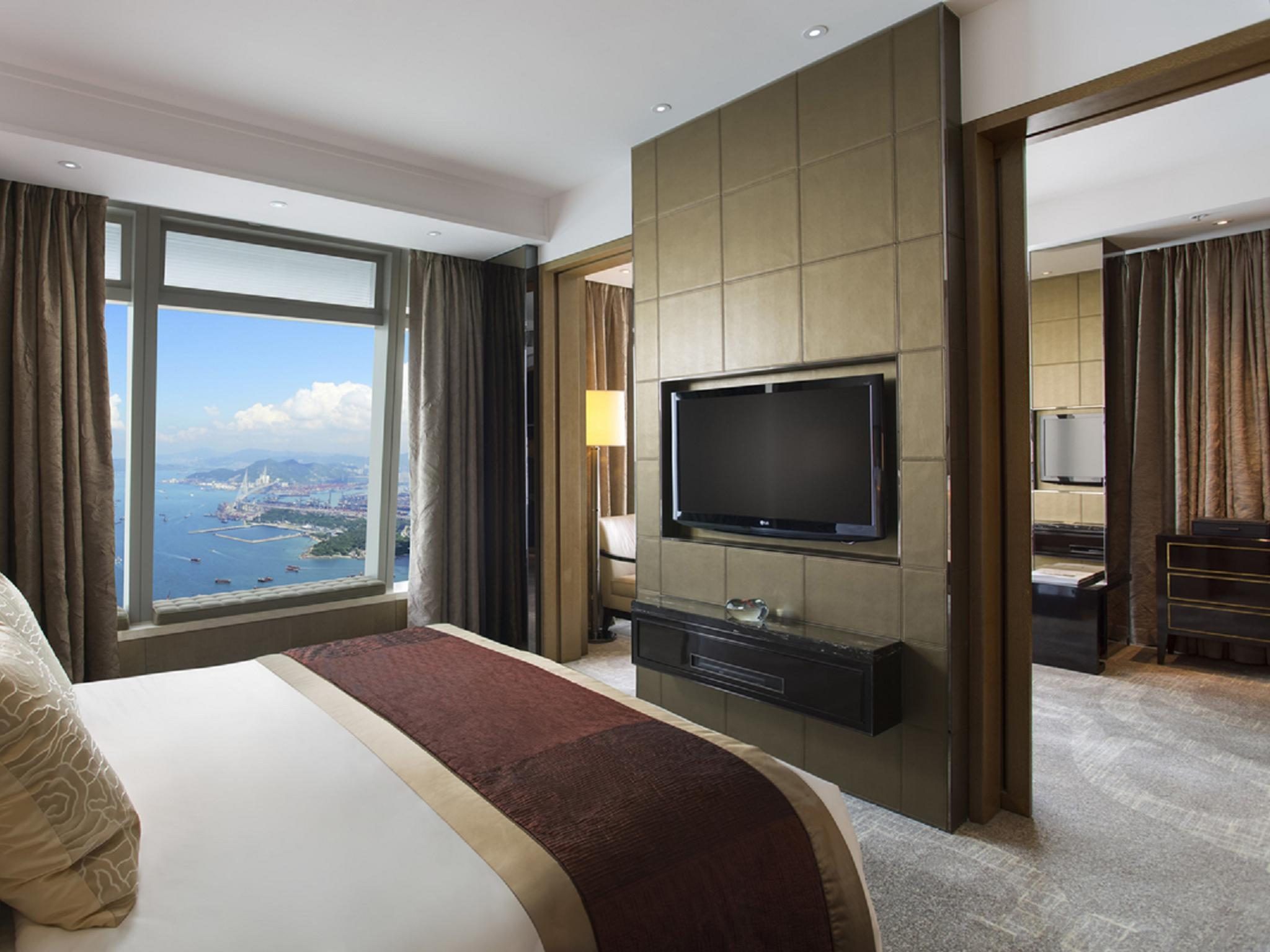 Deluxe Suite, Club level, 1 Bedroom Suite, 1 King, City view