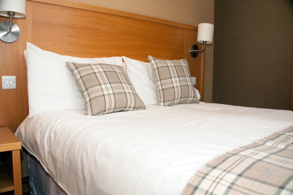 Classic Double - Bed Loch Long Hotel