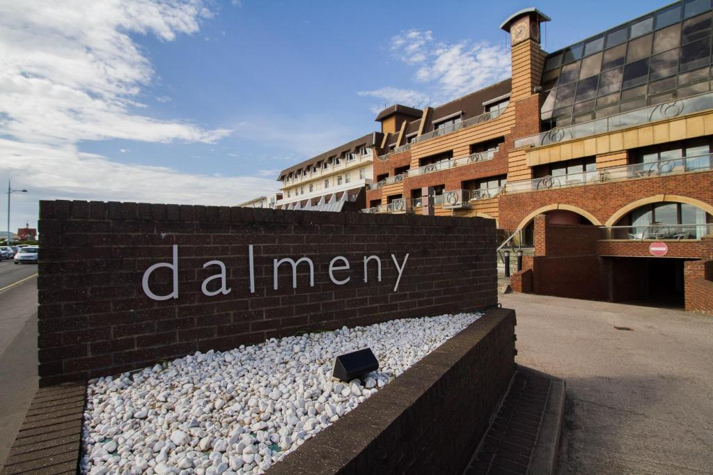 Dalmeny Resort Hotel